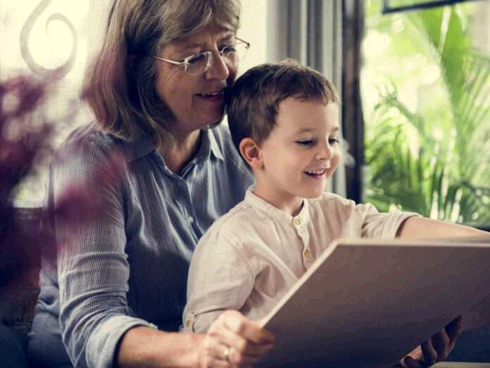 helping care for your grandchild could improve your cognitive function